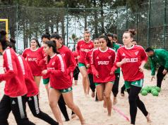 Selecção Feminina de Andebol de Praia - Estágio na Nazaré